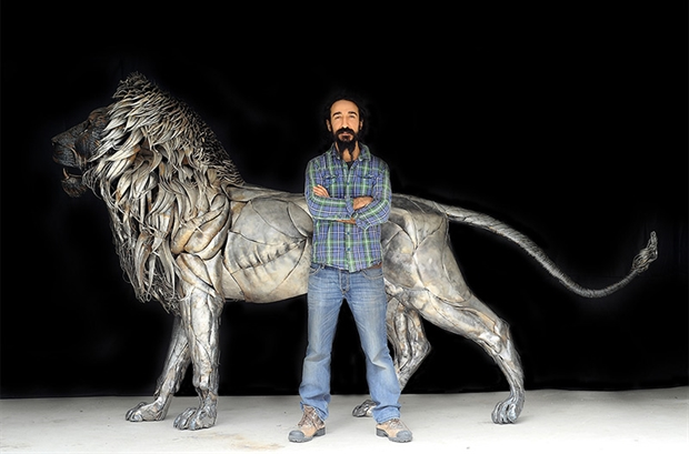 Aslan the Lion Metal Sculpture by Selçuk Yılmaz 00 1 Aslan the Lion Metal Sculpture by Selçuk Yılmaz