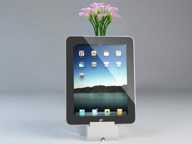 Elephant with Ipad 650x487 Elephant Pie Innovative Paper Products Made of Elephant Dung (Live on Indiegogo)