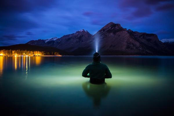 Paul Zizka Taking Selfshots In The Canadian Rockies Paul Zizka Taking Selfshots In The Canadian Mountains