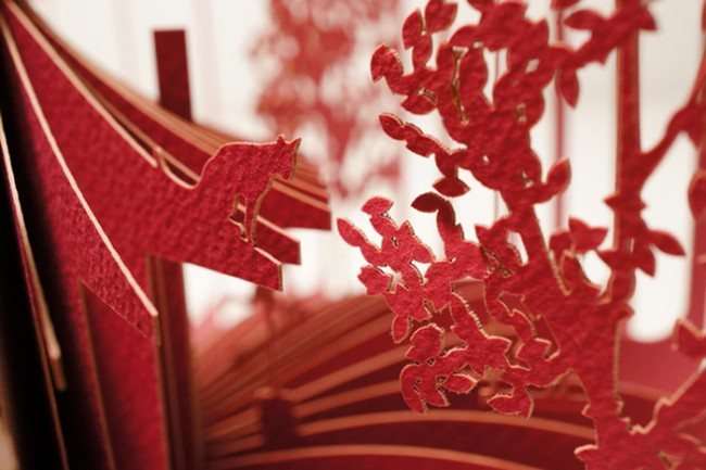 Stories Cut Into 360 Paper Books by Yusuke Oono 1 650x433 Stories Cut Into 360° Paper Books by Yusuke Oono