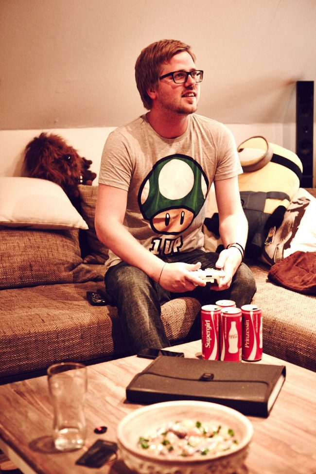 fashion menswear thaeger gamer xbox360 650x975 Gamer Hell Outfit