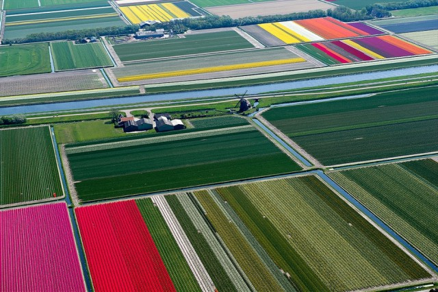 1359705911 1a 640x426 Colorful Aerial Photography by Normann Szkop