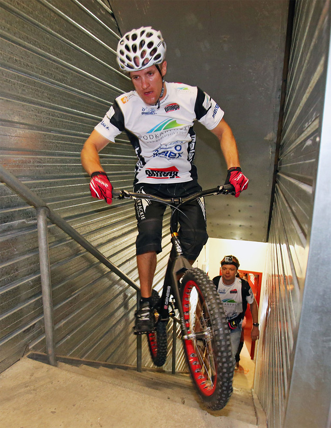 229 Man Jumps Up 2,919 Steps On His Bike