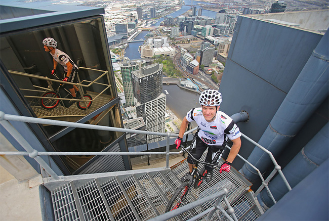615 Man Jumps Up 2,919 Steps On His Bike