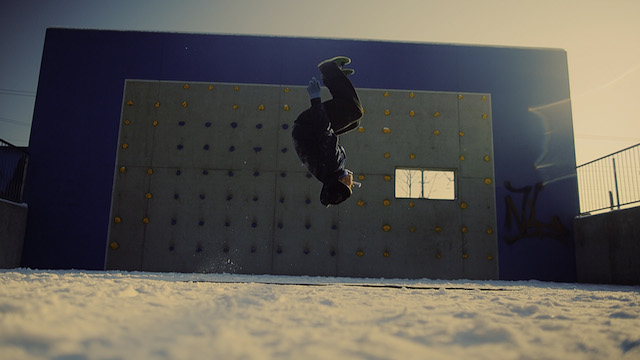 Parkour in the Snow: Schnee Running by Sebastian Linda