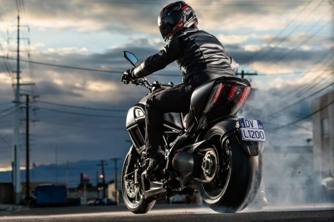 2015 Ducati Diavel 51 650x433 2015 Ducati Diavel