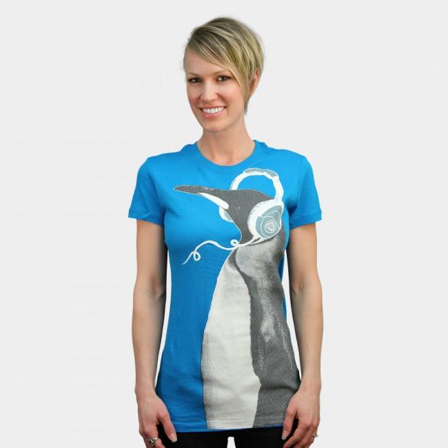 PENGUIN HEADPHONES woman tee design