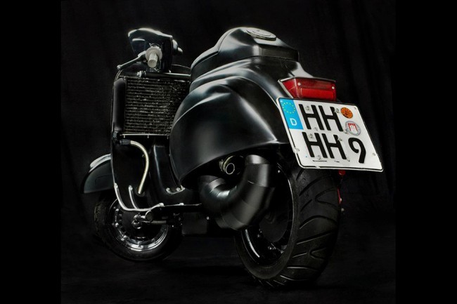 Vespa 1 650x433 38 Horsepower Vintage Racer Vespa