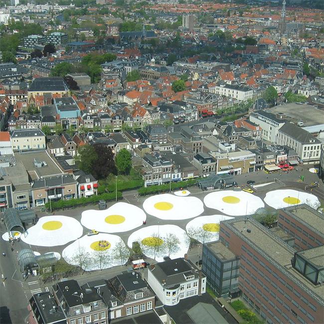 18 Art Eggcident By Henk Hofstra
