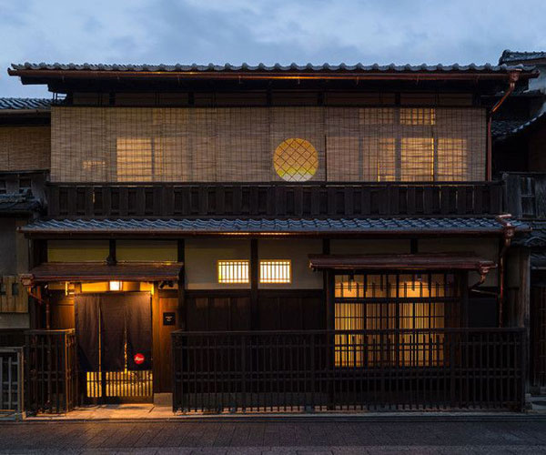 Leica Store Kyoto 2 zpsf811d195 Leica Store in Geisha Neighborhood, Japan