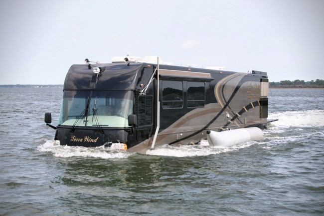 RV 1 650x433 The Worlds First Amphibious RV