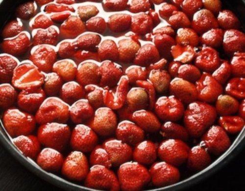 tips make food last longer 9 Preserving Berries