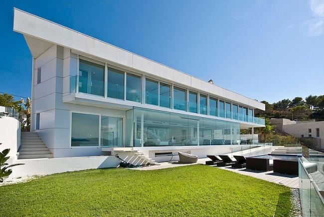 001 waterfront designer villa mallorca 650x435 Waterfront Designer Villa in Mallorca