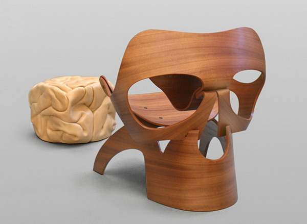 1388159609 1 e1388159792143 Spooky Skull Chair by Vladi Rapaport