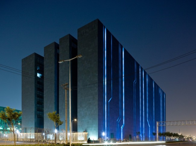 datacenters01 650x487 The 10 Largest Data Centers In The World