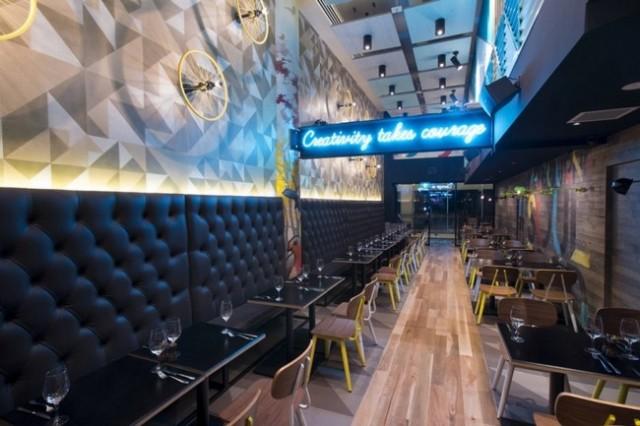 1388238815 5 640x426 Bluetrain Restaurant in Melbourne