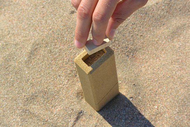634 Innovative Sand Packaging by Alien & Monkey