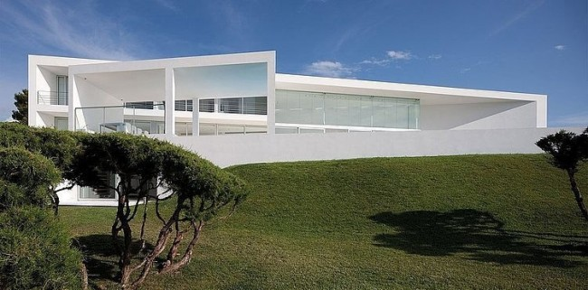 001 infinity house aabe 650x321 Infinity House by AABE