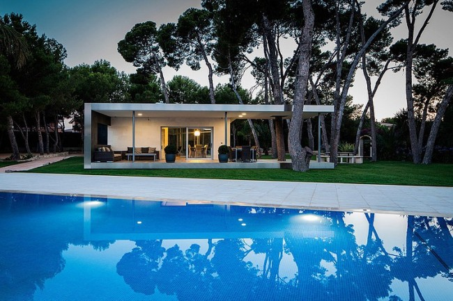 001 pine forest pavilion e2b arquitectos 650x433 Pine Forest Pavilion by e2b arquitectos
