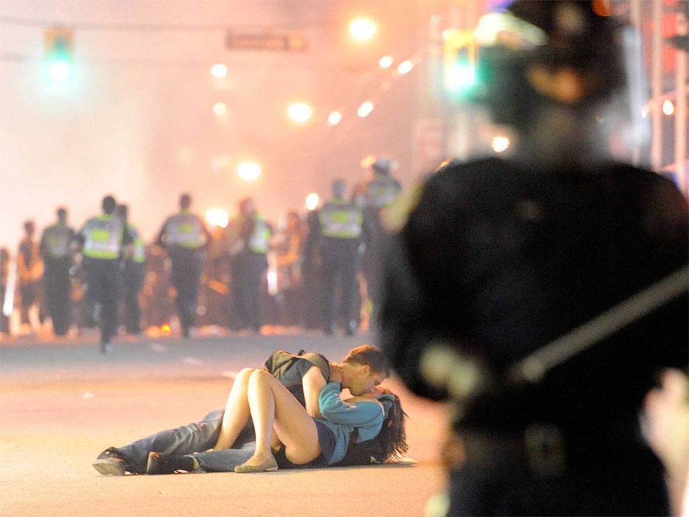 1189 Some Iconic Pictures of Global Unrest from the Last Years