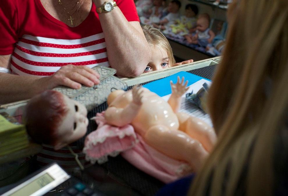 1201 Sydneys Doll Hospital