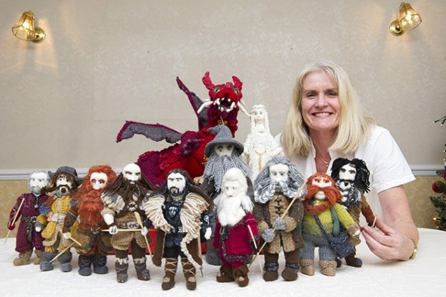 1390324631 1 640x426 The Lord of the Rings Knitted Characters by Denise Salway