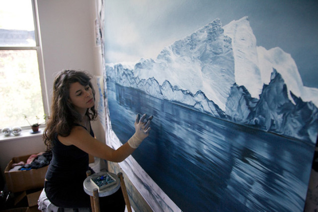 1391266413 13 640x426 Astouning Finger Paintings of Icebergs by Zaria Forman