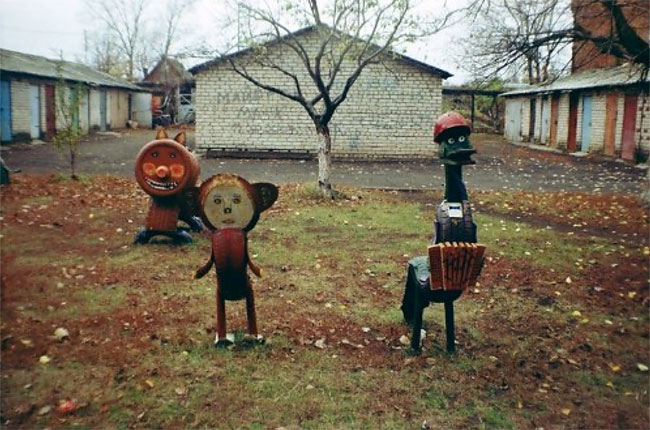 289 Nightmare Playgrounds: The Worst and Scariest Playgrounds of All Time, Part 1