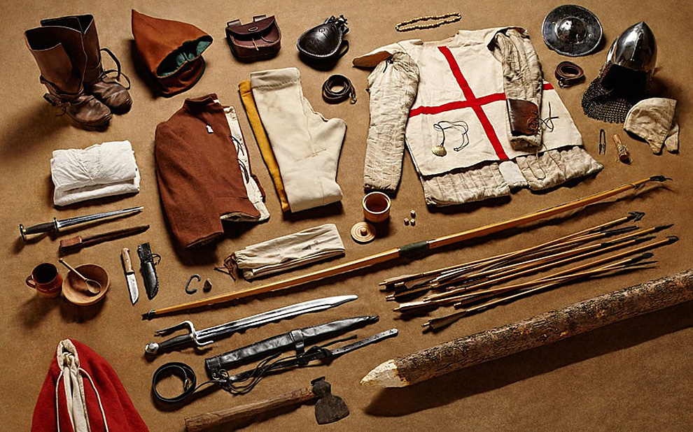 320 Military Kit Through the Ages: from the Battle of Hastings to Helmand