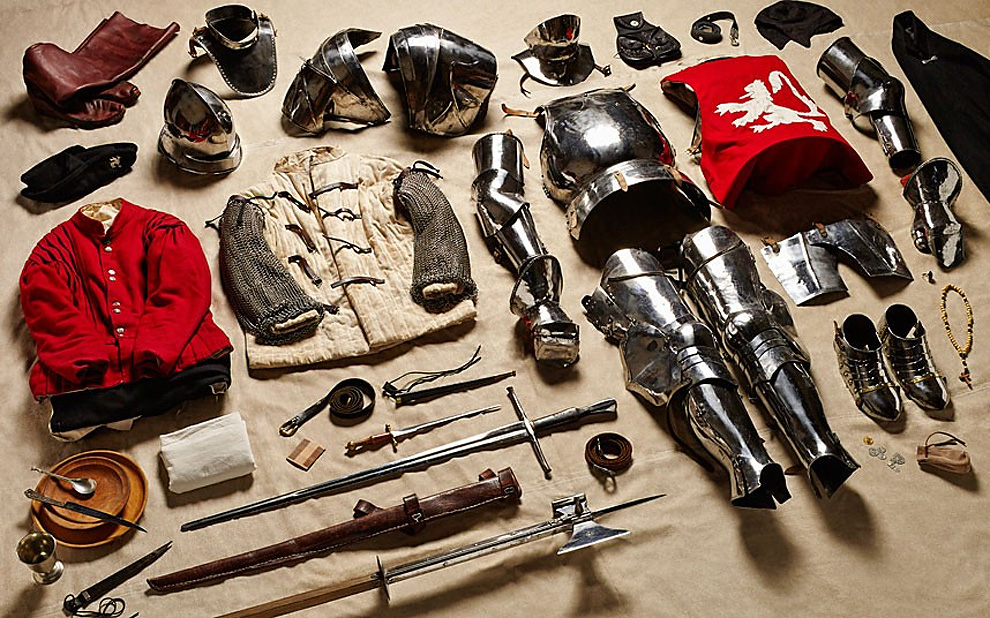 417 Military Kit Through the Ages: from the Battle of Hastings to Helmand