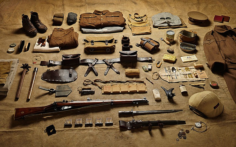 814 Military Kit Through the Ages: from the Battle of Hastings to Helmand