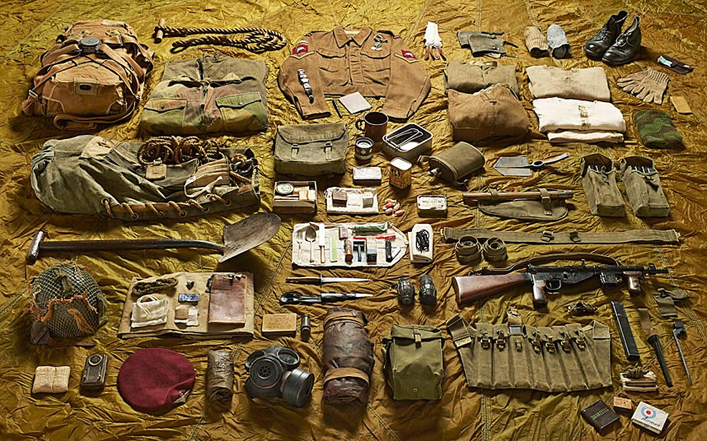 912 Military Kit Through the Ages: from the Battle of Hastings to Helmand