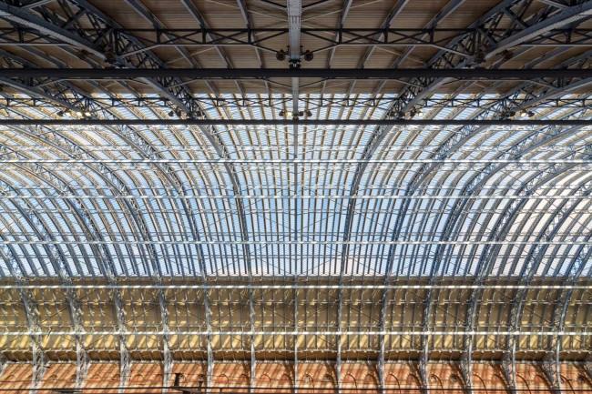 Edward Neumann 650x433 Symmetry Architecture Photography by Edward Neumann