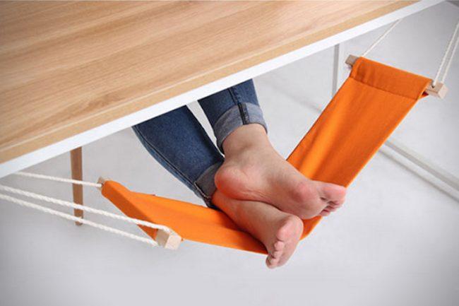 FUUT Desk Feet Hammock 02 650x433 Daily Gadget Inspiration #181