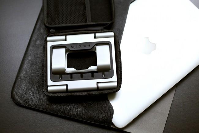 The Ridge Stand 21 650x433 A Beautiful Lightweight MacBook Air Stand