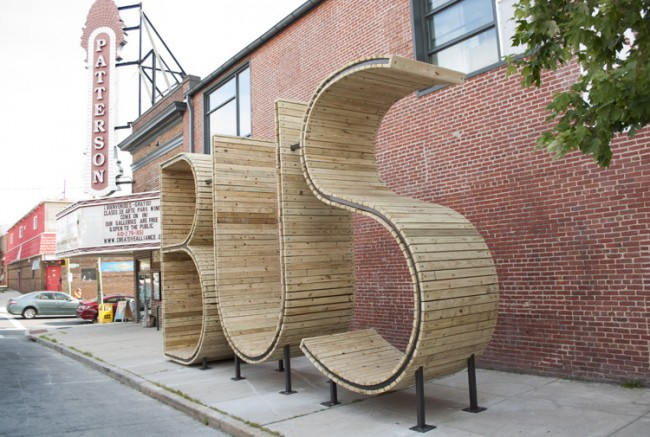 bus stop in baltimore by mmm 7 1 650x437 Bus Stop Shaped Like Giant Letters In Baltimore
