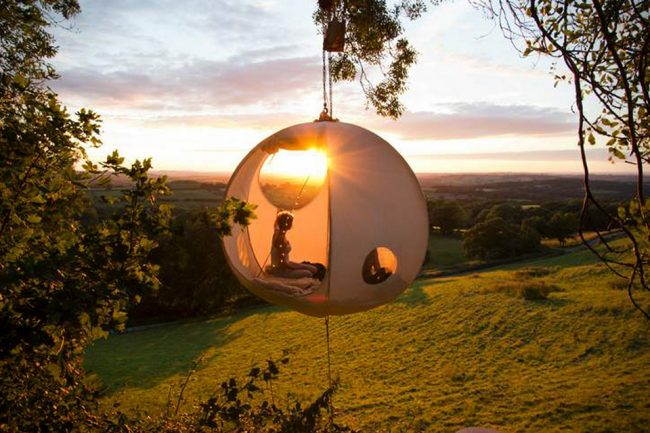 glamp 1 650x433 Beautiful Roomoon Suspended Tent