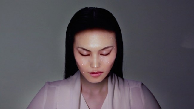 omote face tracking 01 650x365 OMOTE   Real Time Face Tracking / Projection Mapping by Nobumichi Asai