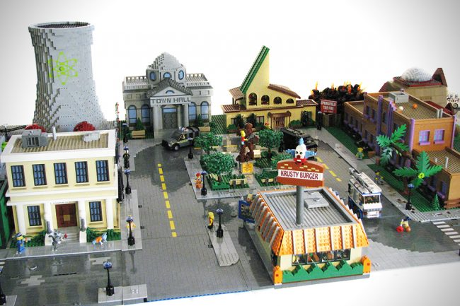 spring 1 650x433 Town Of Springfield from The Simpsons in LEGO Form