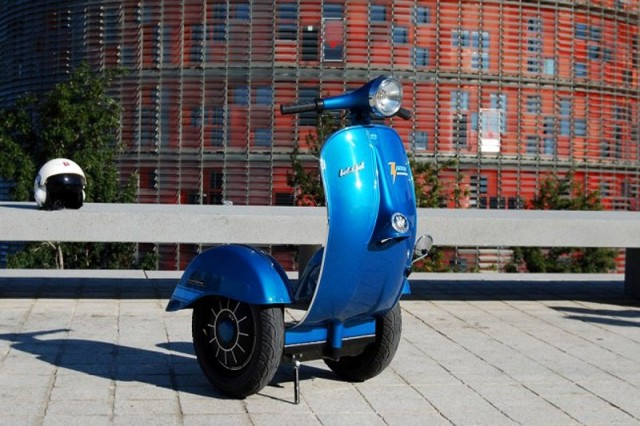 1402766220 5 640x426 Vespa Inspired Segway Scooter