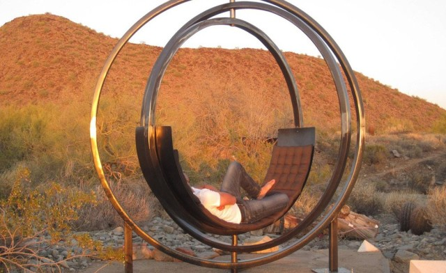 1404754697 1 640x392 Etazin   A Sculptural Rotating Lounge Chair by Kate Brown