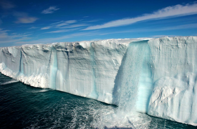 Antarctica Photo by Keen Press 650x426 23 Amazing Waterfalls From Around the World