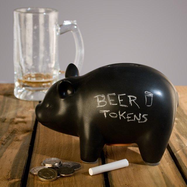 CapitaLIST Pig Chalkboard Piggy Bank 01 Daily Gadget Inspiration #190