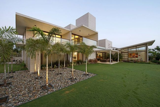 001 urbane house hiren patel architects 650x434 The Urbane House by Hiren Patel Architects