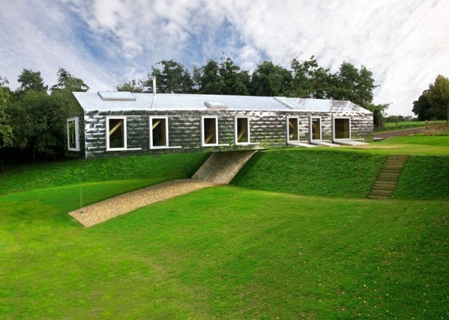 1362991313 1 640x456 The Balancing Barn Hotel in UK