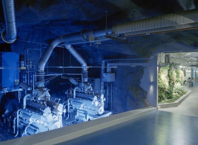 1367849801 4 640x468 Data Center in a Cold War Nuclear Bunker