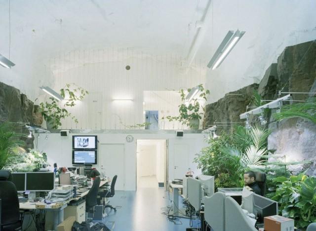 1367849801 5 640x468 Data Center in a Cold War Nuclear Bunker
