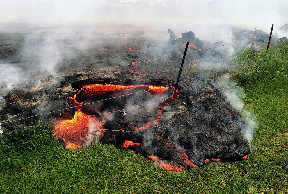 1392 Hawaii Volcano Lava Prompts Evacuation Concerns
