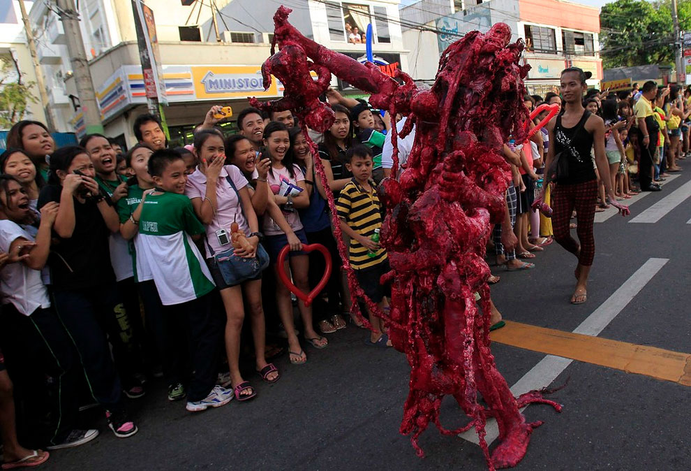1408 The Worlds Scariest Halloween Parade on Philippines