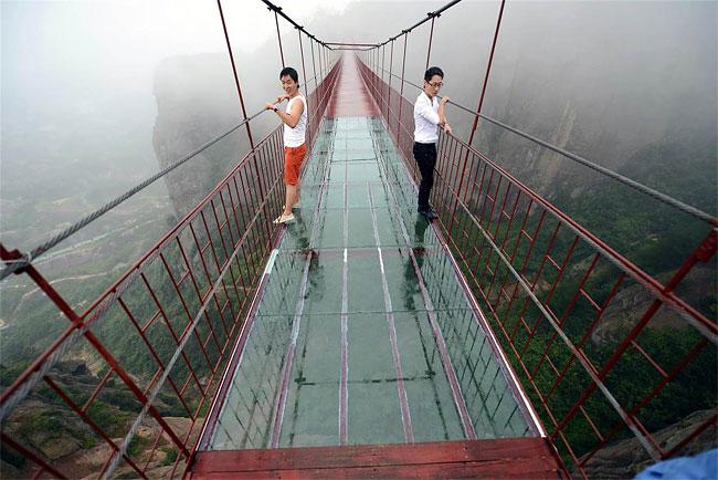 146 Transparent Bridge in China